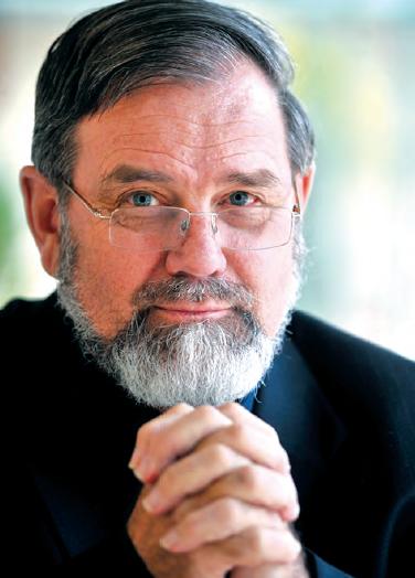 In Memoriam Professor Robert M. Carter